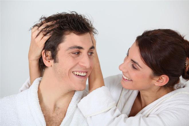 Khi phụ nữ yêu tóc của chồng hơn, điều gì sẽ xảy ra? - Ảnh 1.