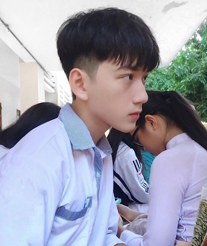 Hot boy mới của Nghệ An sinh năm 2001 đang khiến dân tình lùng sục: Cao 1m72, mặt baby hết ý! - Ảnh 3.