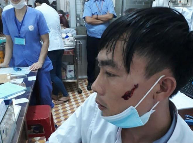 Bạo hành y tế ở Việt Nam dưới góc nhìn của GS gốc Việt đang công tác tại Úc - Ảnh 1.