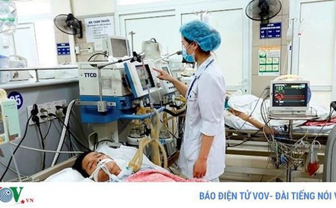 Hơn 70 người cùng nhập viện vì ngộ độc thuốc diệt cỏ