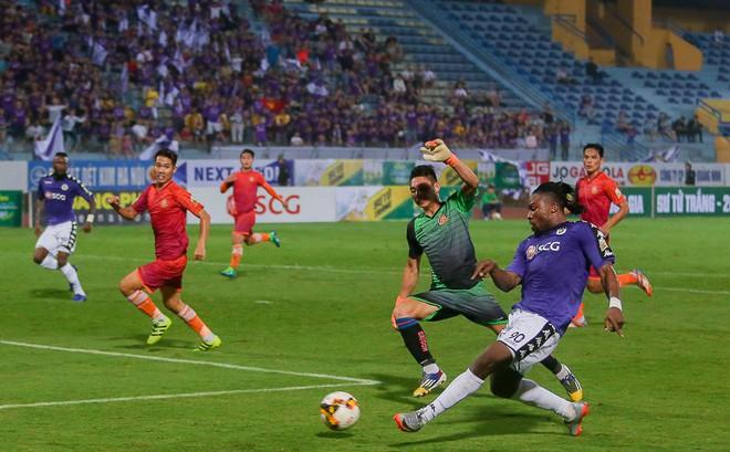 HLV Hà Nội lý giải nguyên nhân khiến sao U23 Việt Nam ngồi dự bị