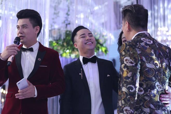 Hữu Công tiết lộ chi 2 tỷ cho đám cưới khủng, rộng 700m2, mời 1000 khách cùng sao hạng A về làng - Ảnh 13.