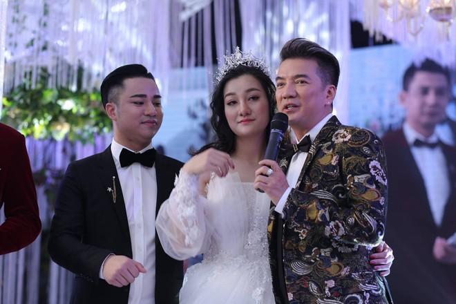 Hữu Công tiết lộ chi 2 tỷ cho đám cưới khủng, rộng 700m2, mời 1000 khách cùng sao hạng A về làng - Ảnh 14.
