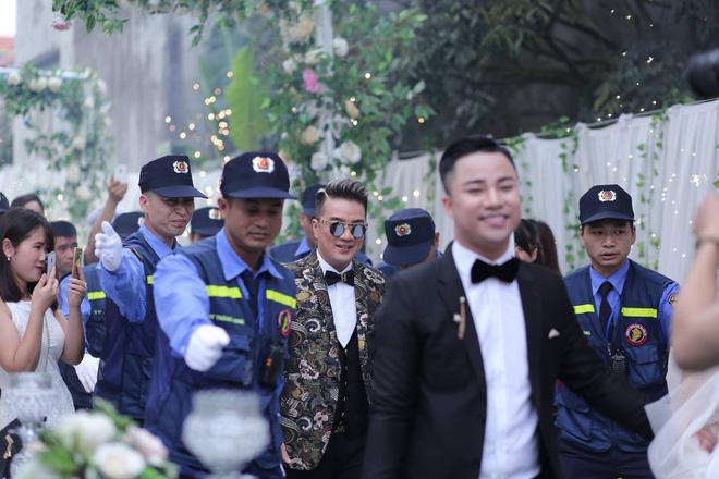 Hữu Công tiết lộ chi 2 tỷ cho đám cưới khủng, rộng 700m2, mời 1000 khách cùng sao hạng A về làng - Ảnh 3.