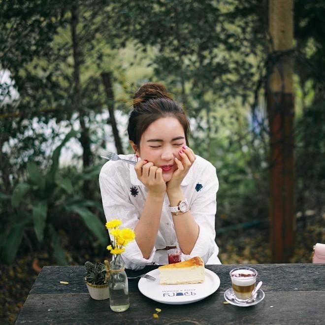 Loạt ảnh bắt trọn thần thái đỉnh cao và nụ cười toả nắng của nàng thơ Thái Lan - Ảnh 7.