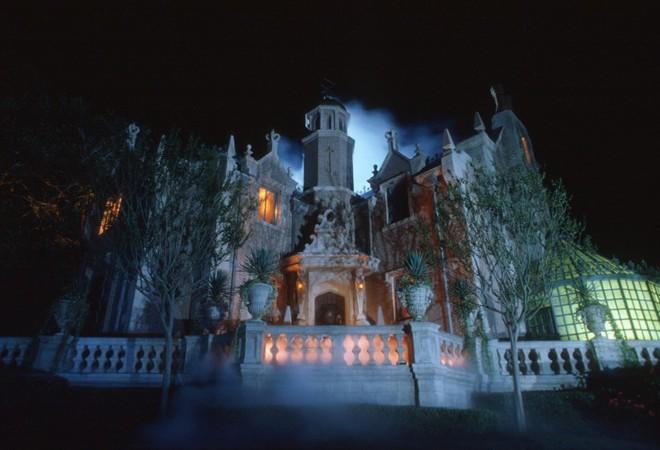 Bí mật đáng sợ về công viên giải trí Disneyland không phải ai cũng biết - Ảnh 4.