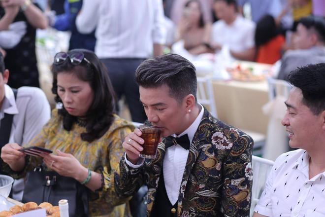 Hữu Công tiết lộ chi 2 tỷ cho đám cưới khủng, rộng 700m2, mời 1000 khách cùng sao hạng A về làng - Ảnh 5.