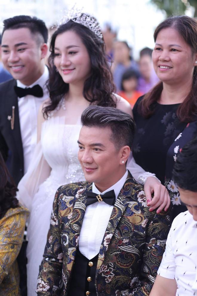 Hữu Công tiết lộ chi 2 tỷ cho đám cưới khủng, rộng 700m2, mời 1000 khách cùng sao hạng A về làng - Ảnh 6.