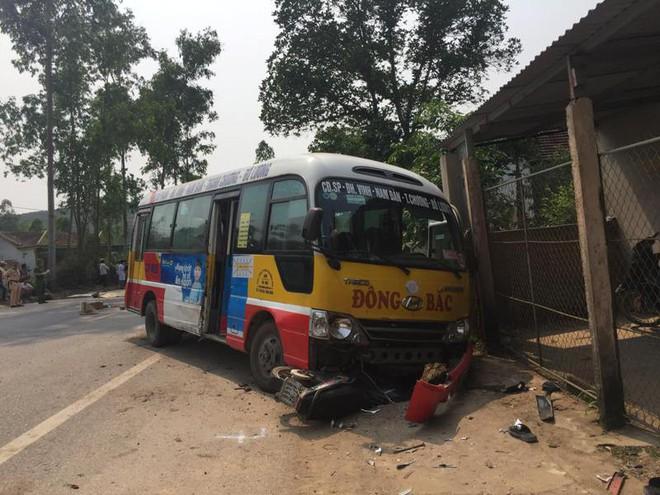 Tạm giữ hình sự tài xế xe buýt cuốn xe máy, 5 người thương vong - Ảnh 1.