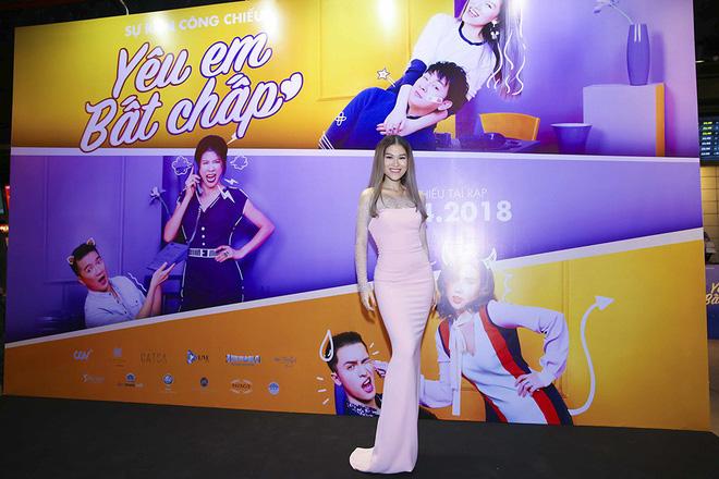 Hoài Lâm đi trễ 2 tiếng, hot girl Thúy Vi chạm mặt tình mới Phan Thành - Ảnh 7.