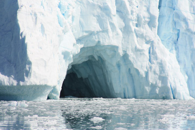 Sông băng tại Nam Cực đang tan nhanh từ bên dưới - Ảnh 1.