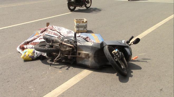 Truy tìm xe container cán chết người đàn ông Trung Quốc rồi bỏ trốn - Ảnh 2.