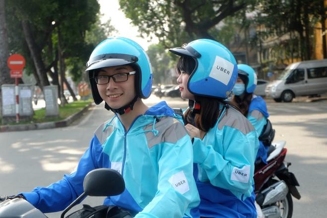 Nuối tiếc, hàng trăm tài xế xuống đường diễu hành trong ngày cuối cùng Uber ở Việt Nam - Ảnh 5.