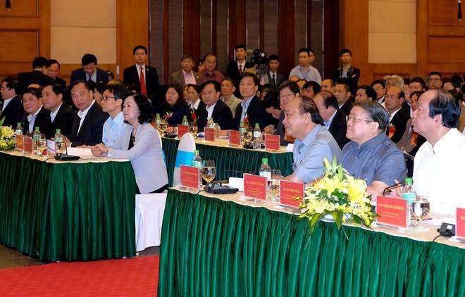Thủ tướng đối thoại với nông dân - Ảnh 1.