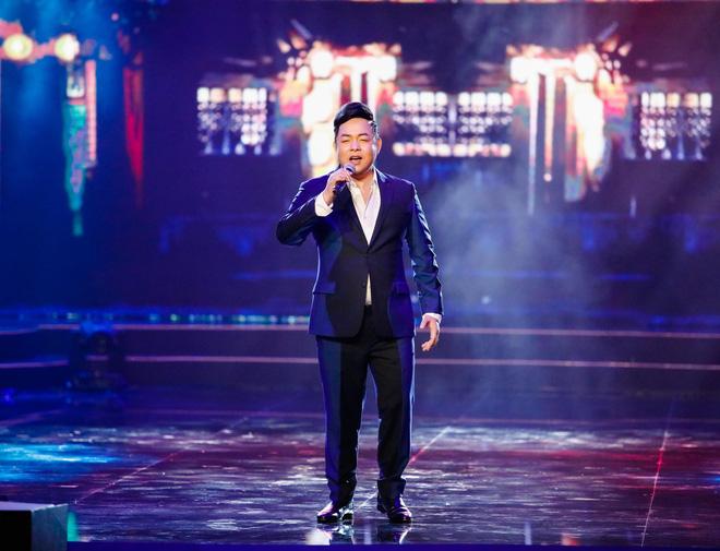 Anh trai ruột Quang Lê gây chú ý khi khoe giọng hát trước đám đông - Ảnh 6.