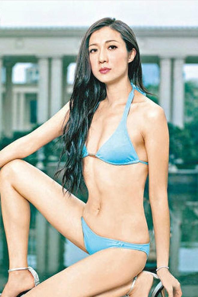 Hoa hậu châu Á và cuộc sống đau đớn vì Thành Long bỏ rơi, con gái nổi loạn - Ảnh 1.