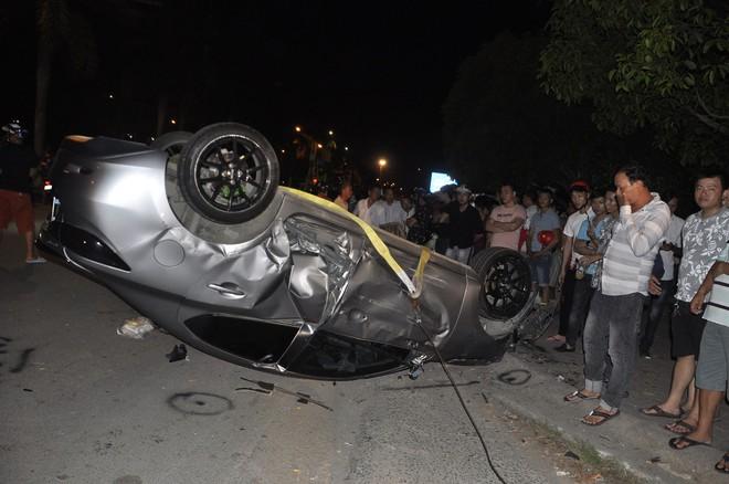 Ô tô gây tai nạn liên hoàn trong đêm 30/4 ở Đồng Nai: 6 người trong một gia đình gặp nạn - Ảnh 3.