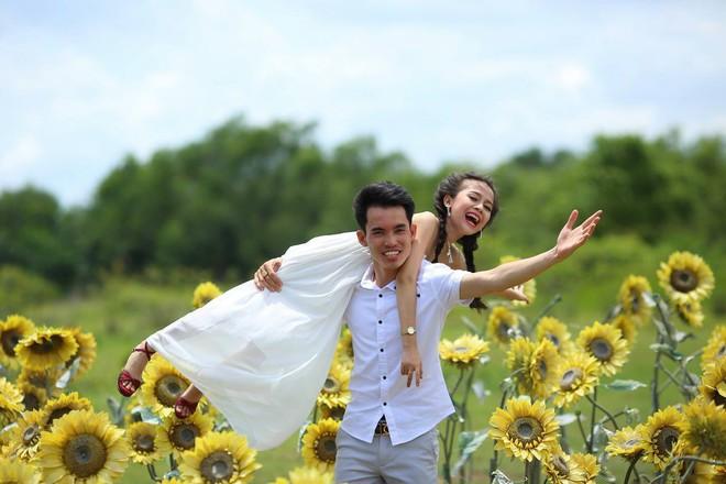Từ trò đùa xem bói, cô gái tí hon cưới được chồng như ý - Ảnh 2.