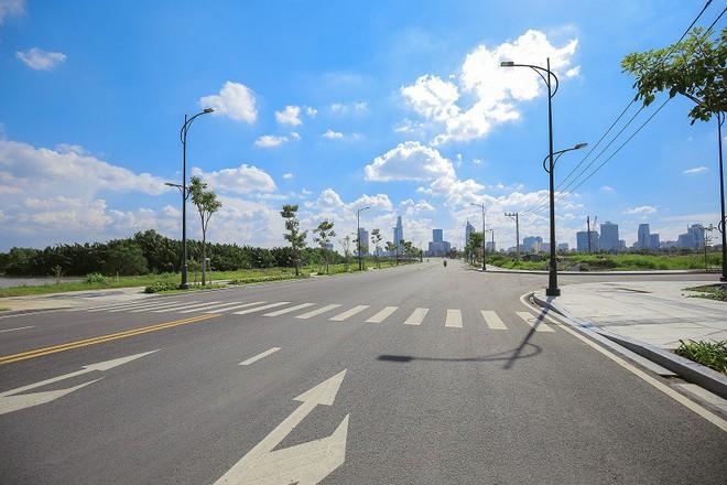 Cận cảnh con đường dát kim cương với chi phí 1.000 tỷ đồng/km ở Khu đô thị mới Thủ Thiêm - Ảnh 4.