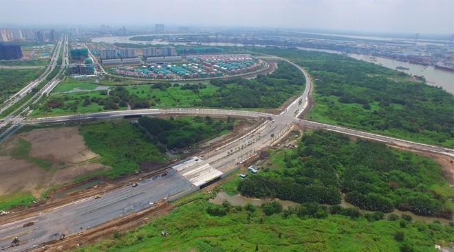 Cận cảnh con đường dát kim cương với chi phí 1.000 tỷ đồng/km ở Khu đô thị mới Thủ Thiêm - Ảnh 2.