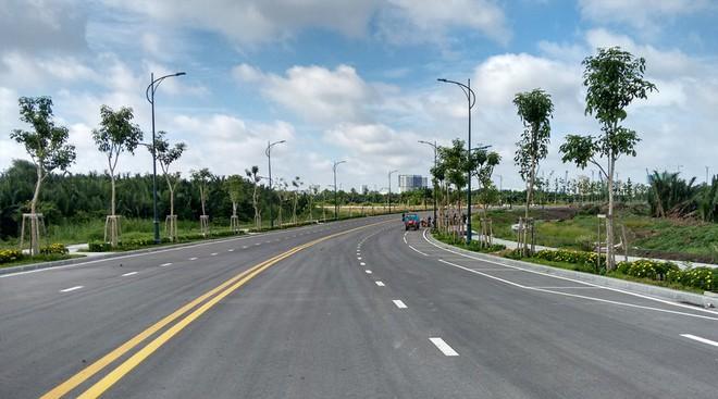 Cận cảnh con đường dát kim cương với chi phí 1.000 tỷ đồng/km ở Khu đô thị mới Thủ Thiêm - Ảnh 3.
