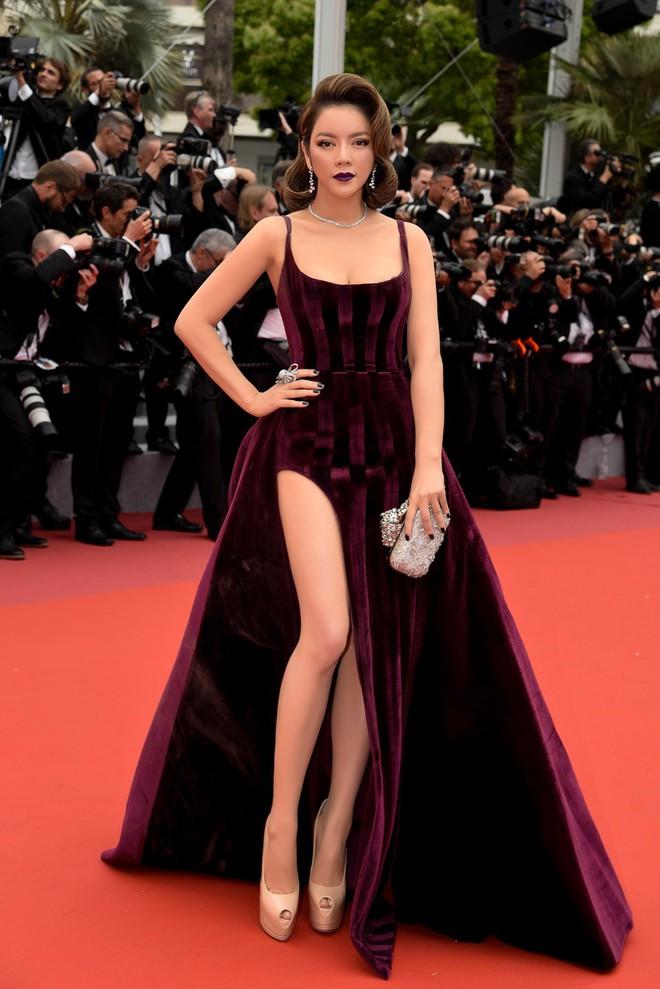 Lý Nhã Kỳ gợi cảm và huyền bí trên thảm đỏ LHP Cannes ngày thứ 3 - Ảnh 3.