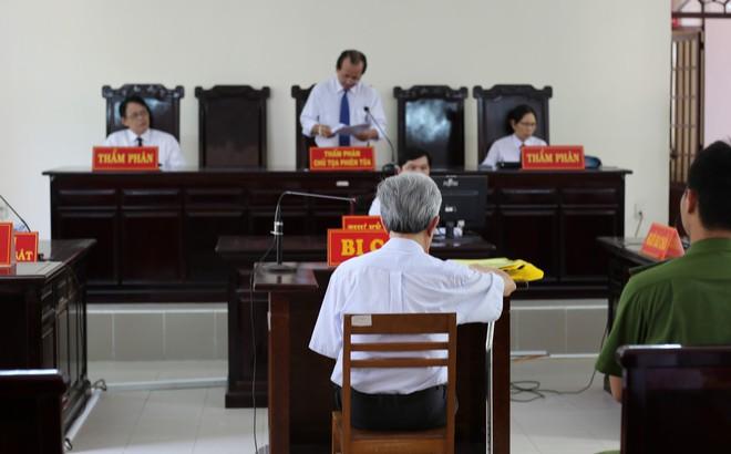 Cựu giám đốc ngân hàng 77 tuổi lĩnh 18 tháng tù treo về tội Dâm ô trẻ em