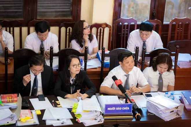 Xét xử bác sĩ Hoàng Công Lương trong vụ 8 bệnh nhân chạy thận tử vong - Ảnh 6.
