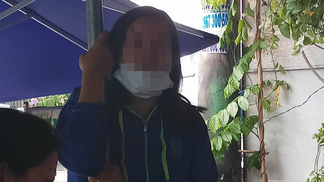 Cha mẹ ly hôn, nghi can đâm chết 2 hiệp sĩ Sài Gòn từ nhỏ sống với bà nội bị bệnh tim - Ảnh 3.