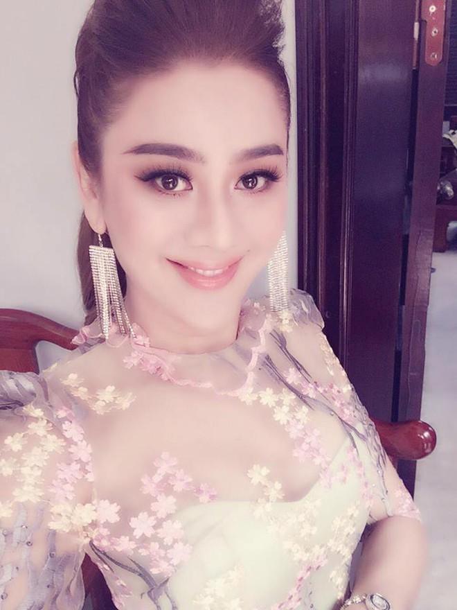 Nhan sắc của người đẹp chuyển giới Lâm Khánh Chi ở tuổi 41 - Ảnh 8.