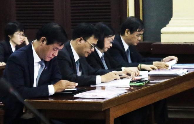 VKS nói bà Sáu Phấn có thái độ trốn tránh, luật sư yêu cầu trả hồ sơ điều tra lại - Ảnh 1.