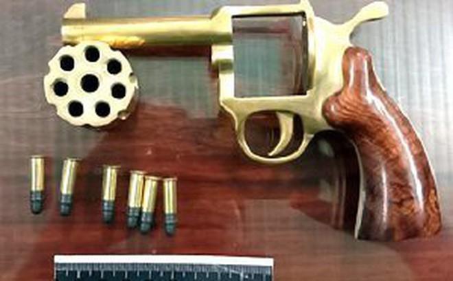 Bắt 4 nghi can chế tạo súng và mua bán vũ khí