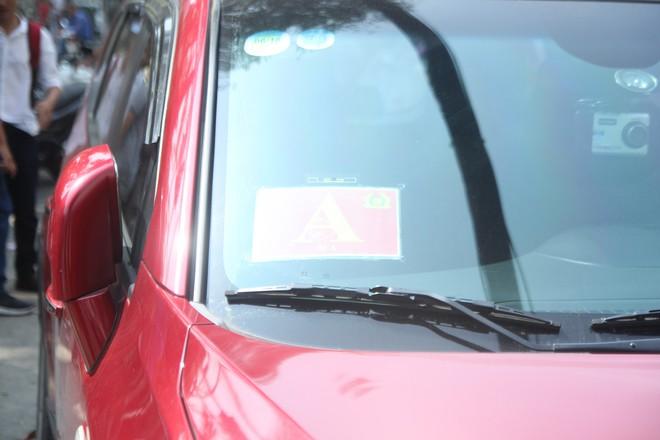 Xử phạt chủ ô tô xưng xe của Bộ Công an, đậu trái phép trước Bệnh viện Từ Dũ - Ảnh 9.
