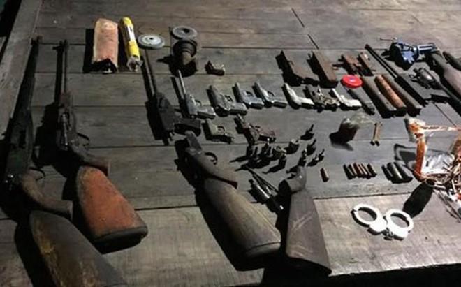 Phá xưởng sản xuất súng, thu giữ 7 khẩu súng và 187 viên đạn