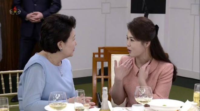 Vì sao ông Kim đưa em gái 2 lần sang Hàn nhưng chưa 1 lần để em xuất hiện công khai ở TQ? - Ảnh 2.