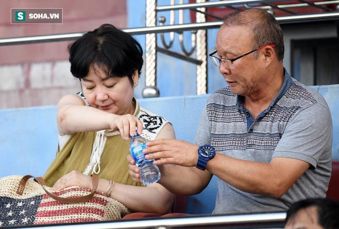 SVĐ Thiên Trường có chuyện lạ trong ngày HLV Park Hang-seo dự khán - Ảnh 2.