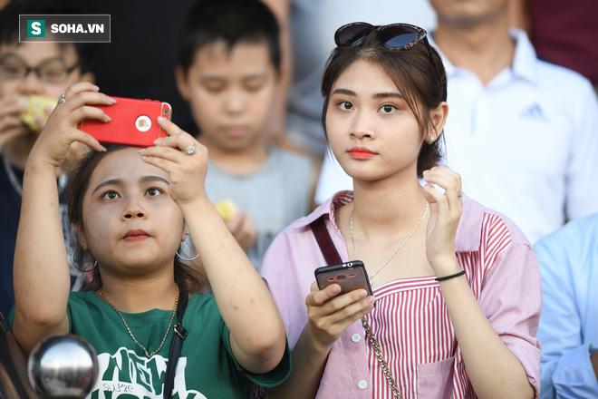 SVĐ Thiên Trường có chuyện lạ trong ngày HLV Park Hang-seo dự khán - Ảnh 7.
