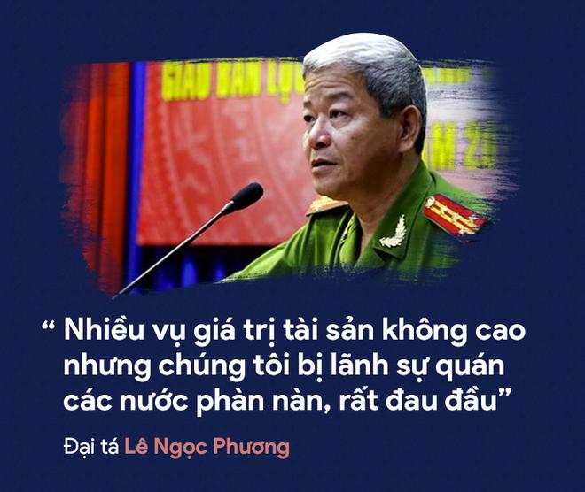 [PHOTO STORY] Dân thường, người bị nạn, du khách thảng thốt về nạn cướp giật ở Sài Gòn - Ảnh 14.