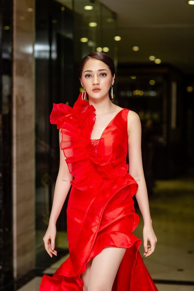 Vừa khỏi bệnh thủy đậu, Bảo Anh đã ra Hà Nội chạy show - Ảnh 4.