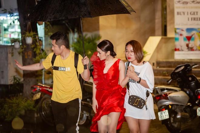 Vừa khỏi bệnh thủy đậu, Bảo Anh đã ra Hà Nội chạy show - Ảnh 3.