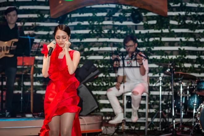 Vừa khỏi bệnh thủy đậu, Bảo Anh đã ra Hà Nội chạy show - Ảnh 7.
