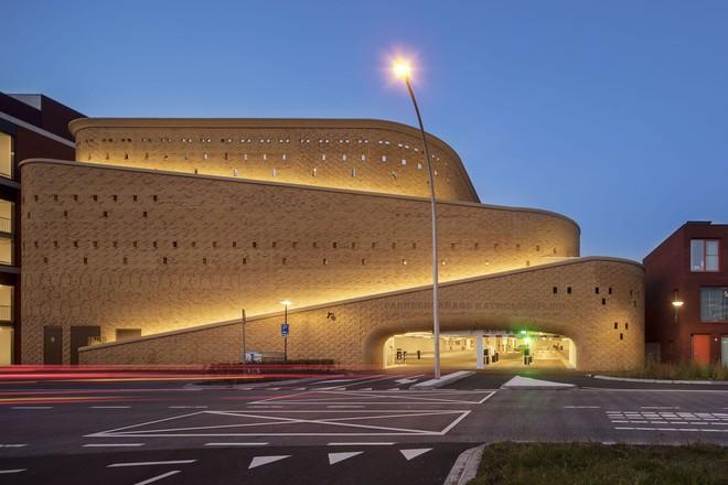 Tạp chí Mỹ ngợi ca bãi đỗ xe như một kiệt tác kiến trúc trong lòng thành phố - Ảnh 10.