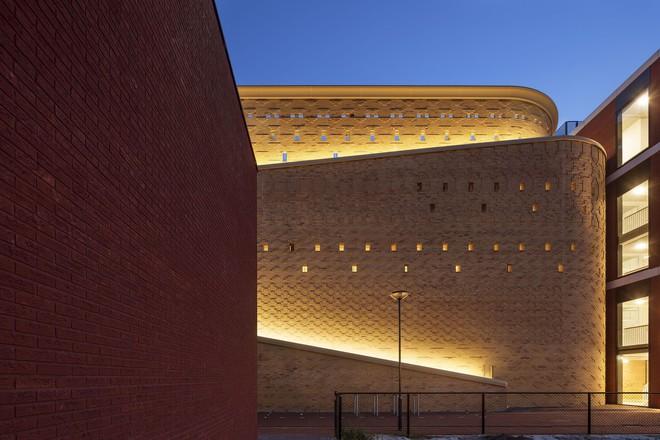 Tạp chí Mỹ ngợi ca bãi đỗ xe như một kiệt tác kiến trúc trong lòng thành phố - Ảnh 9.