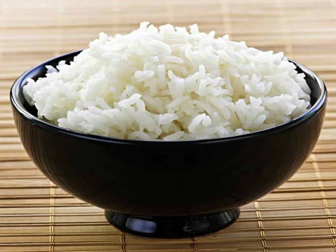 Cơm trắng - nguồn tinh bột tốt cho sức khỏe.