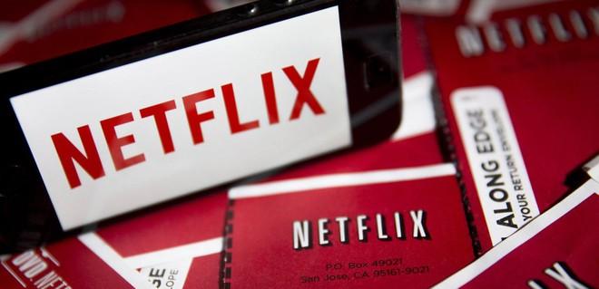 Netflix nẫng tay trên Apple mời cựu Tổng thống Mỹ Barack Obama và vợ sản xuất phim - Ảnh 1.