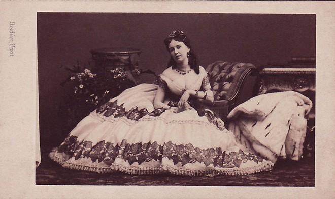 Cuộc đời chìm nổi của kỹ nữ nổi tiếng, giàu sang nhất thành Paris vào thế kỷ 19 - Ảnh 5.
