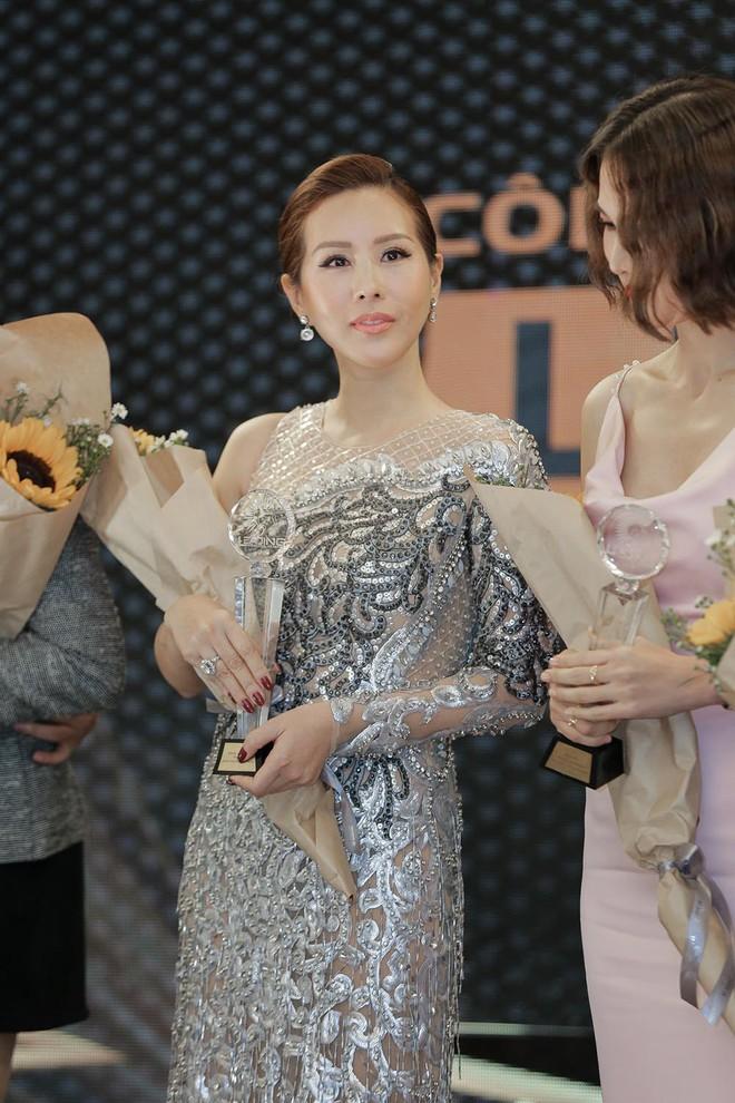 Hoa hậu Thu Hoài được đích thân Công Trí may đồ riêng để đi sự kiện - Ảnh 10.