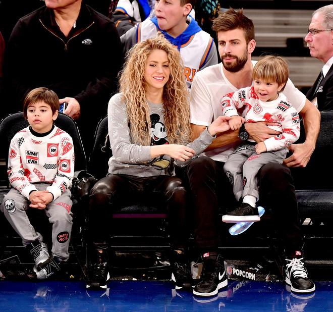 Shakira ở tuổi 41: Sức khỏe suy giảm, lùm xùm trốn thuế và đối mặt tin đồn rạn nứt với cầu thủ Pique - Ảnh 5.