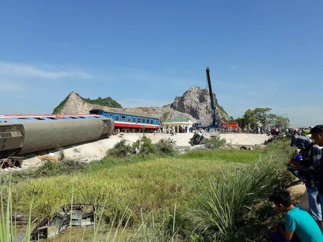 Toàn cảnh vụ tai nạn đường sắt ở Thanh Hóa.