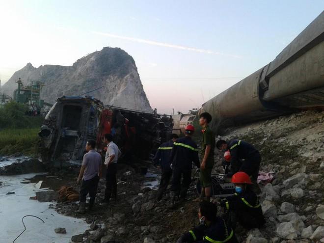 Thông tin mới nhất về vụ tàu hoả đâm xe ben khiến 10 người thương vong ở Thanh Hoá - Ảnh 3.